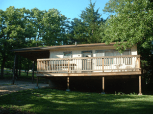 Oak Hill Resortis located on theLittle Aunts Creek arm of Table Rock lake
